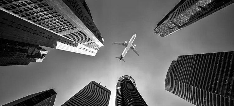 airline-1807486_960_720-min